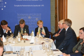 David McAllister, MEP, Herbert Dorfmann, MEP und President of the APE, Mairead McGuinness, Vice President of the European Parliament, Bernard Genton, Professor of American civilization at the University of Strasbourg, and Daniel Köster, Spokesperson of the EPP Group in the European Parliament