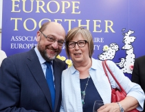 Martin Schulz, President of the European Parliament and member of the APE, and Mercedes Bresso, MEP and Vice President of the APE